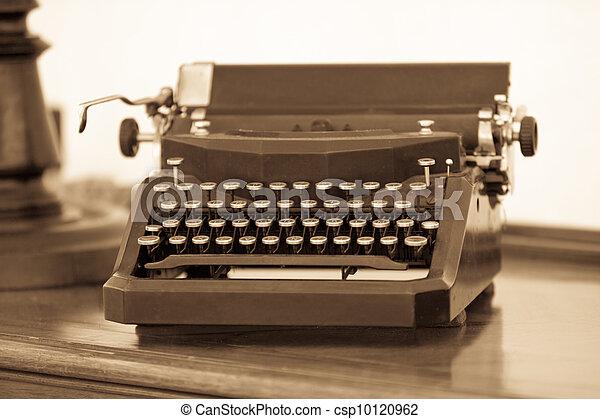 Retro typewriter - csp10120962