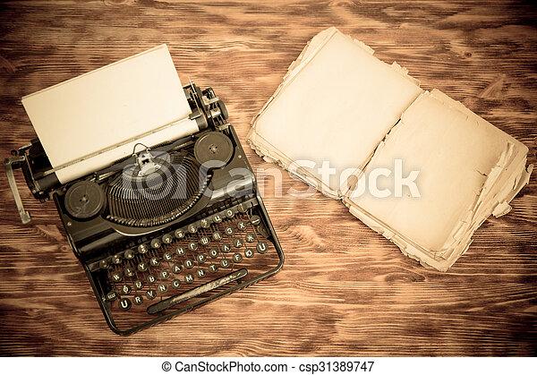 Retro typewriter - csp31389747
