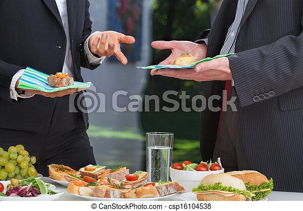 Gente de negocios en la reunión - csp16104538
