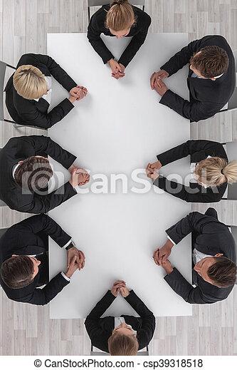 Gente de negocios en reunión - csp39318518