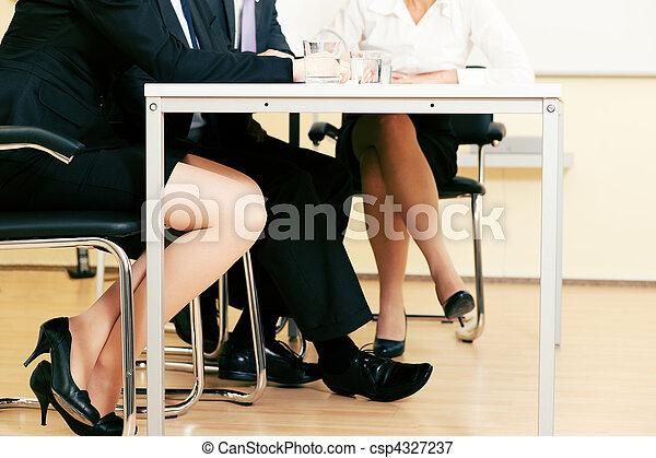 Equipo de negocios reunido - csp4327237
