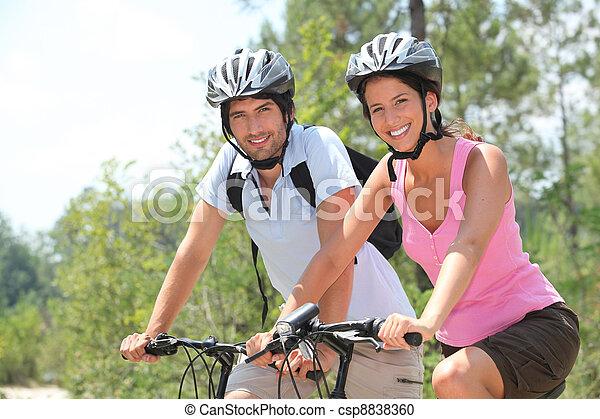 ride., sonntag - csp8838360