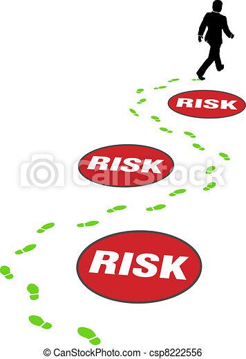 Los hombres de seguridad evitan el riesgo - csp8222556