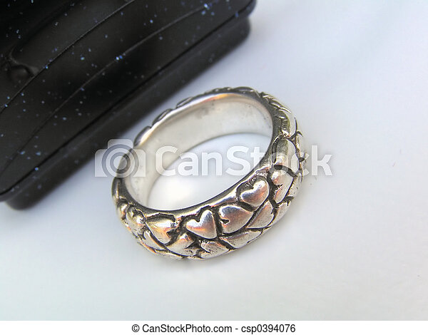 Ring in front of box - csp0394076