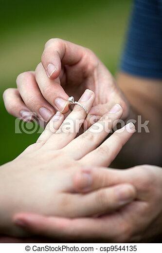 ring, verlobung , diamant - csp9544135