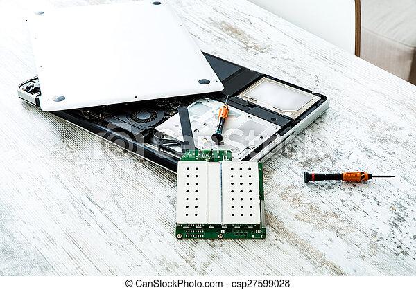 riparazione, laptop - csp27599028