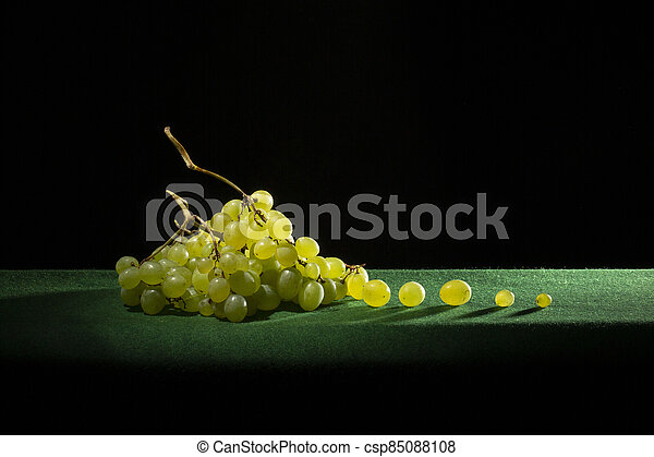 Ripe big bunch of grapes of sultana - csp85088108