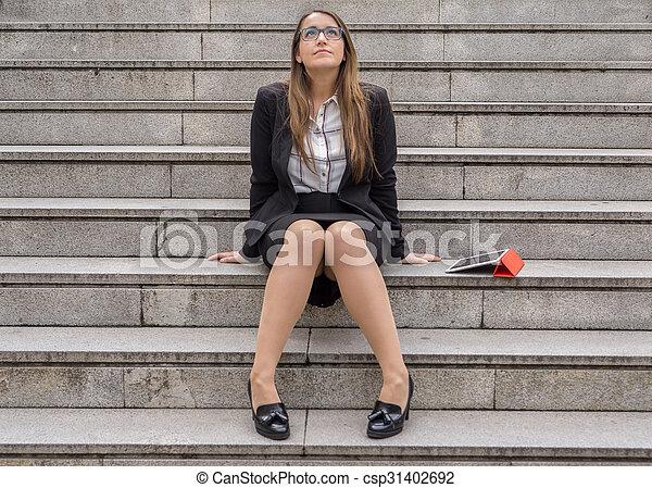 riposare, donna, scale, ufficio, tavoletta - csp31402692