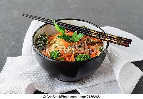 riso, sano, astratto, ciotola, cibo., funghi, fondo., carota, asiatico, nero, tagliatelle, broccolo - csp47186268
