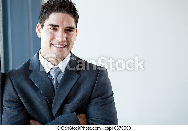 ritratto, felice, giovane, uomo affari - csp10579530