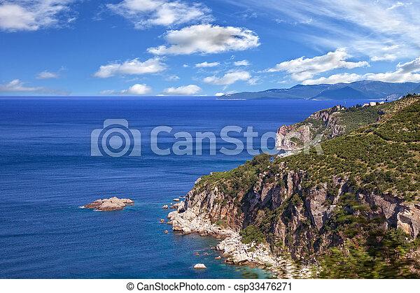 Küstenlinie Makarska Riviera - csp33476271