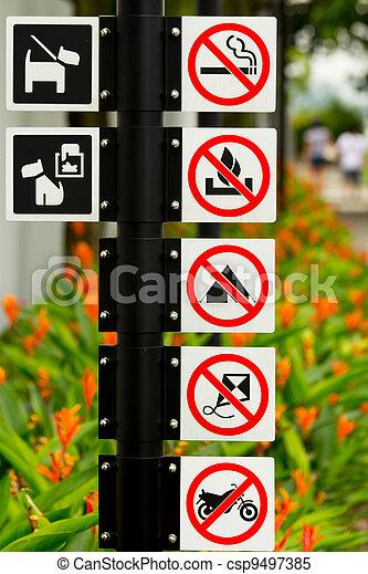 Signos de ruta de Singapur - csp9497385