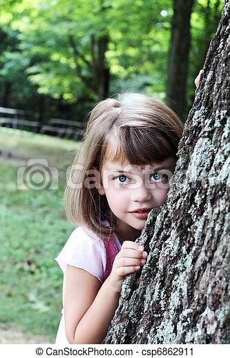 roble, propensión, árbol, contra, niño - csp6862911