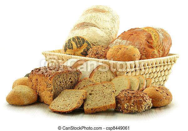 Composición con pan y panecillos - csp8449061