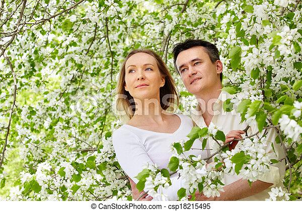 romance, printemps - csp18215495