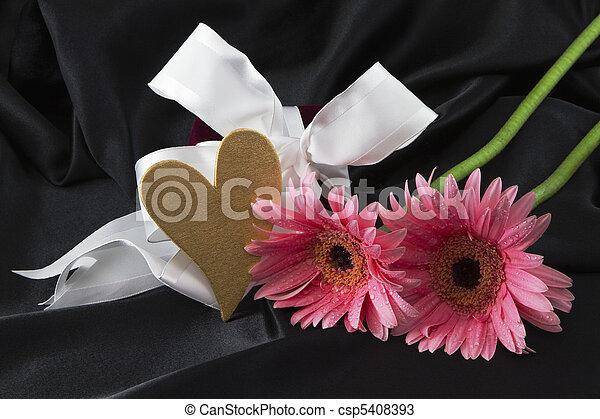 romance, printemps - csp5408393