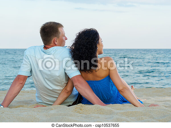 Romantic couple on the beach - csp10537655