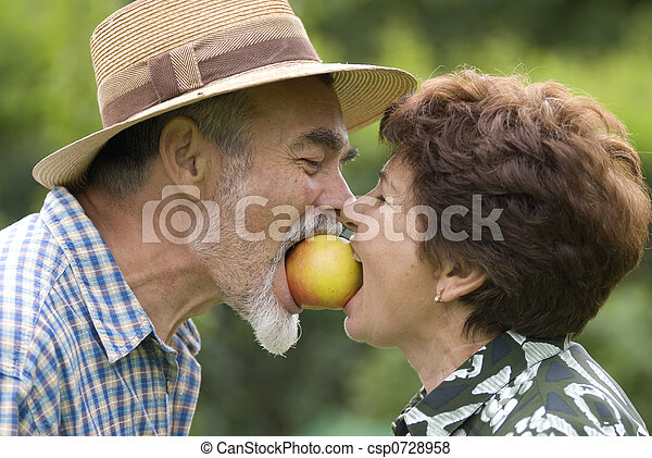 romantic senior couple - csp0728958