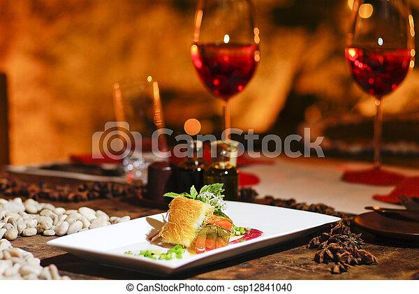 romanticos, salmão, jantar, bife, vinho tinto - csp12841040