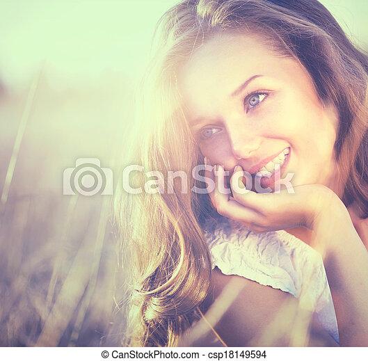 romantyk, piękno, natura, świeży, dziewczyna, outdoors. - csp18149594