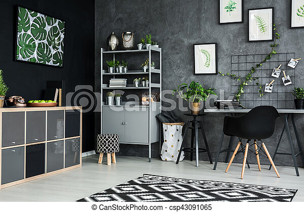 Room with black wall - csp43091065