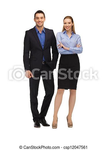 Vestimenta formal mujer y hombre