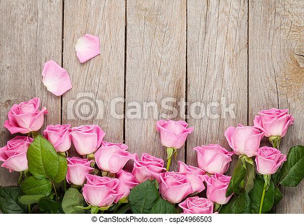 rosa, hölzern, aus, valentines, rosen, hintergrund, tisch, tag - csp24966503