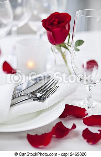 rosa, montaggio cena, romantico, petali - csp12463826