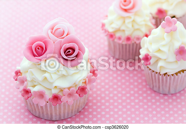 Rose cupcakes - csp3626020