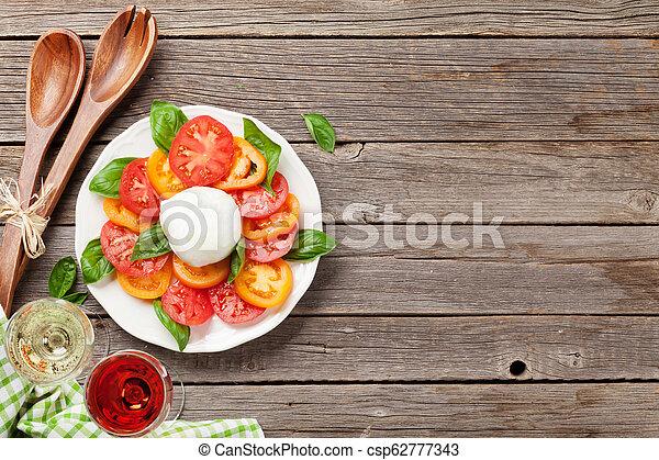 rose, weißes, caprese salat, wein - csp62777343