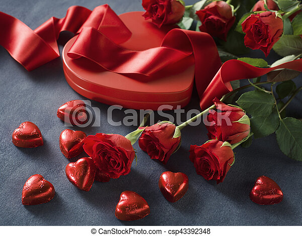 Roses and a hearts on grey paper. Valentines Day background - csp43392348