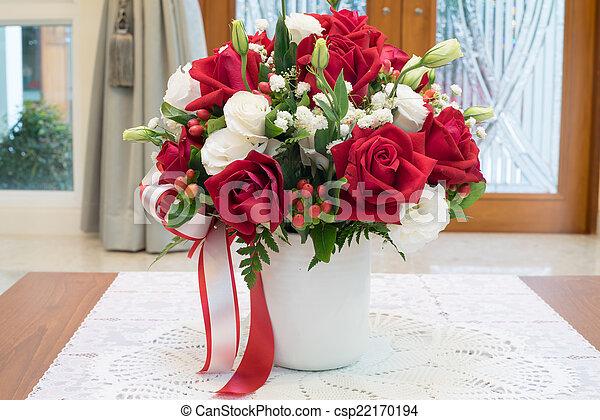 Roses Flowers Bouquet Inside Vase On Desk In House Decoration & Roses flowers bouquet inside vase on desk in house decoration. Roses ...
