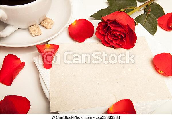 rote rose und blanko postkarte - csp23883383