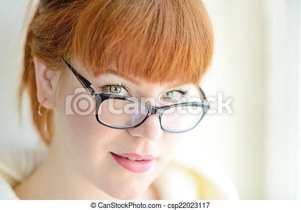 rothaarige, m�dchen, brille - csp22023117
