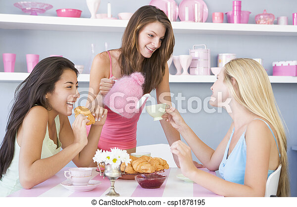 roupa interior, chá, três, jovem, seu, partido, tendo, mulheres - csp1878195