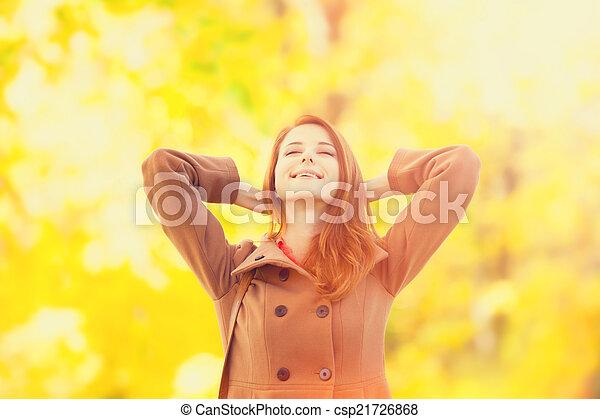 roux, automne, girl, parc - csp21726868
