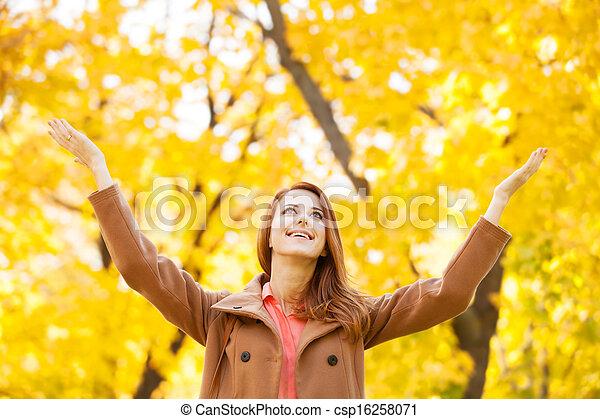 roux, automne, girl, parc - csp16258071