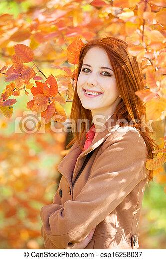 roux, automne, girl, parc - csp16258037