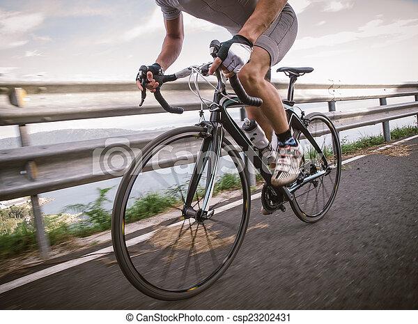 rowerzysta, rower, pedałowanie, szczegół, droga - csp23202431