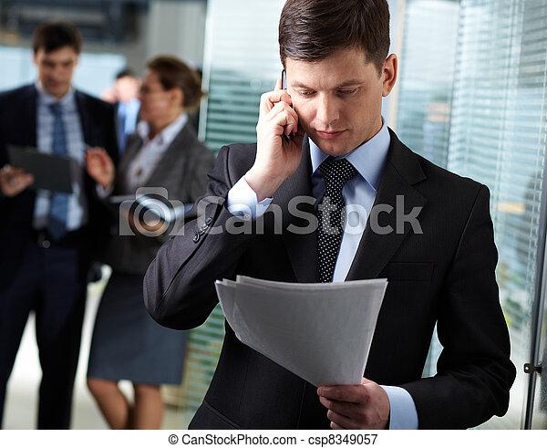 rozmowa telefoniczna, handlowy - csp8349057