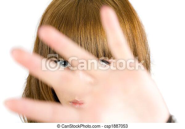 Chica rubia escondida - csp1887053