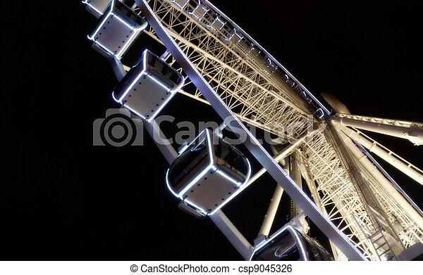 Gondolas en una rueda de ferris - csp9045326