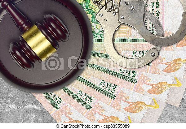 rupees, judiciaire, concept, police, juge évaluation, factures, impôt, ou, tribunal, lankan, 10, menottes, marteau, sri, bribery., desk., action éviter - csp83355089