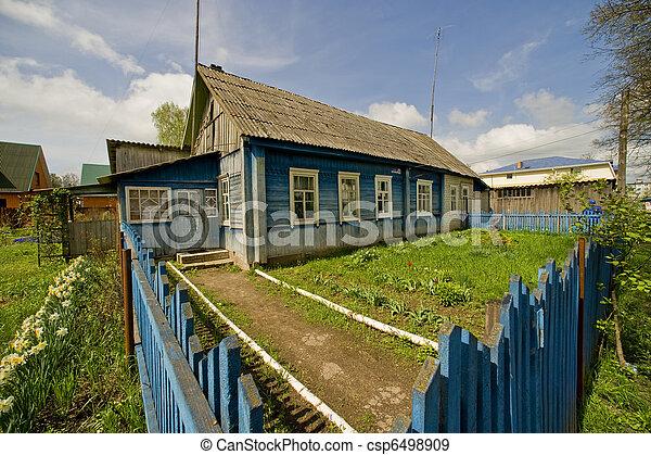 russische kleingarten dorf h lzernes haus traditionelle stockfotos suche foto clipart. Black Bedroom Furniture Sets. Home Design Ideas