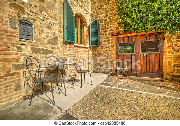 Rustic corner on a sunny day in Tuscany - csp42885488