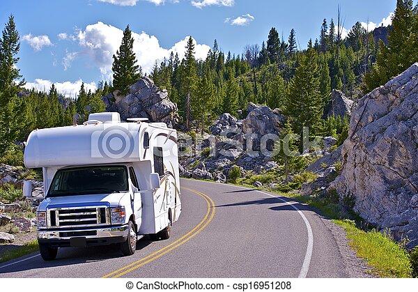 rv, yellowstone, viagem - csp16951208