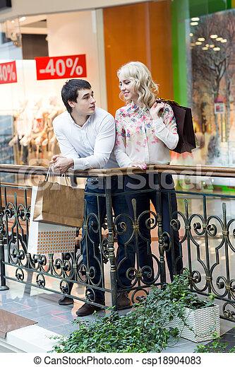 säcke, paar, shoppen, junger, glücklich - csp18904083