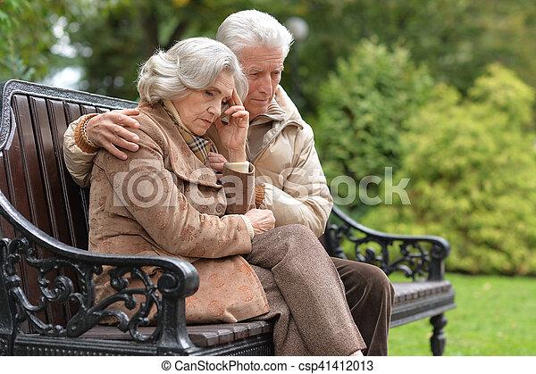 séance, couple, parc, personnes agées, triste, automne, banc - csp41412013