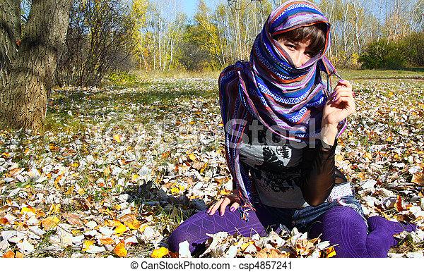 séance, feuilles, jeune, automne, automne, girl - csp4857241