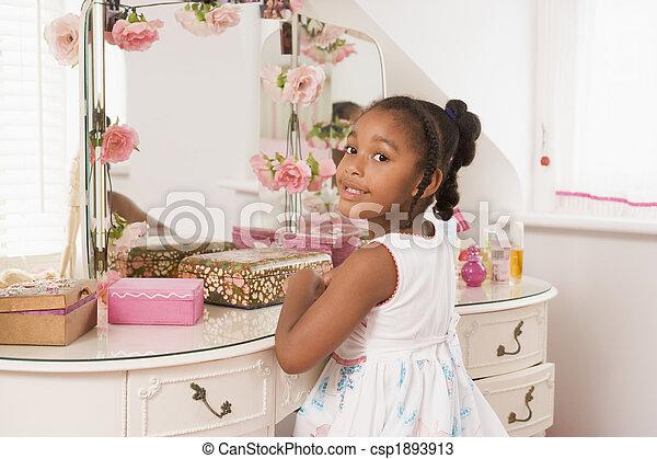 séance, miroir, jeune, chambre à coucher, fille souriant - csp1893913